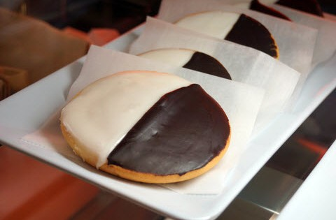 The Black 'n White Cookie -The 11th Day Of Cookies